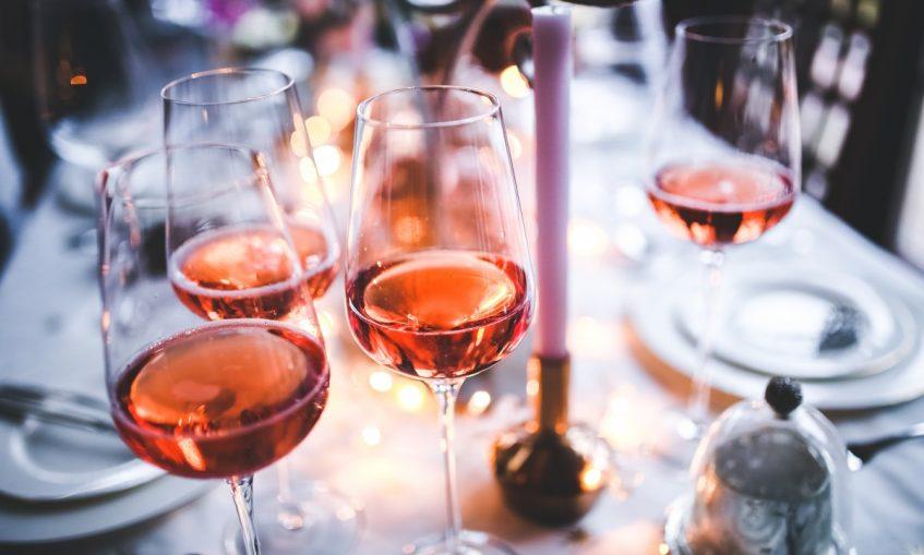 alcohol_alcoholic_dinner_drinks_evening_glasses_rose_wine-927379.jpg!d